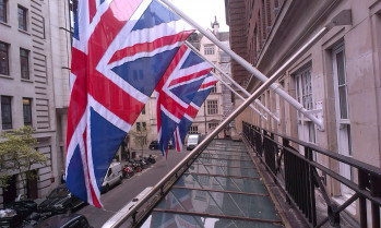 Radisson Hotel Mayfair Flagpole Installation