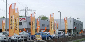 Advantages of a One Piece Forecourt Flagpole
